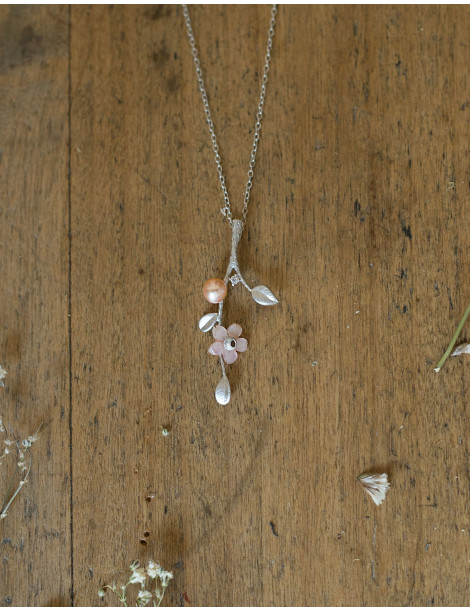 """""""Flora"""" silver necklace with freshwater pearls"""