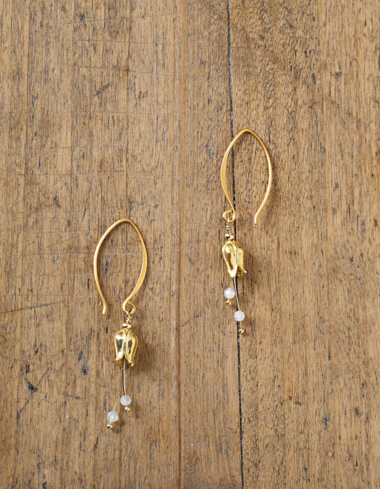 """""""Lily"""" gold earrings with moonstone beads"""