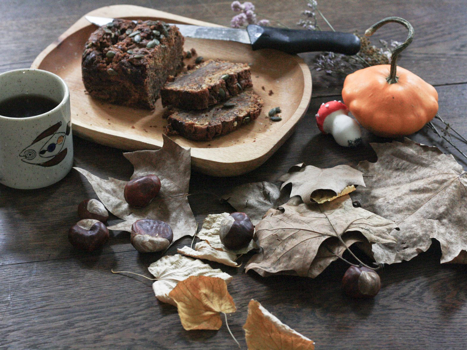 DIY Halloween Pumpkin Cake (Vegan)